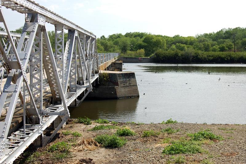 Mendota Dam