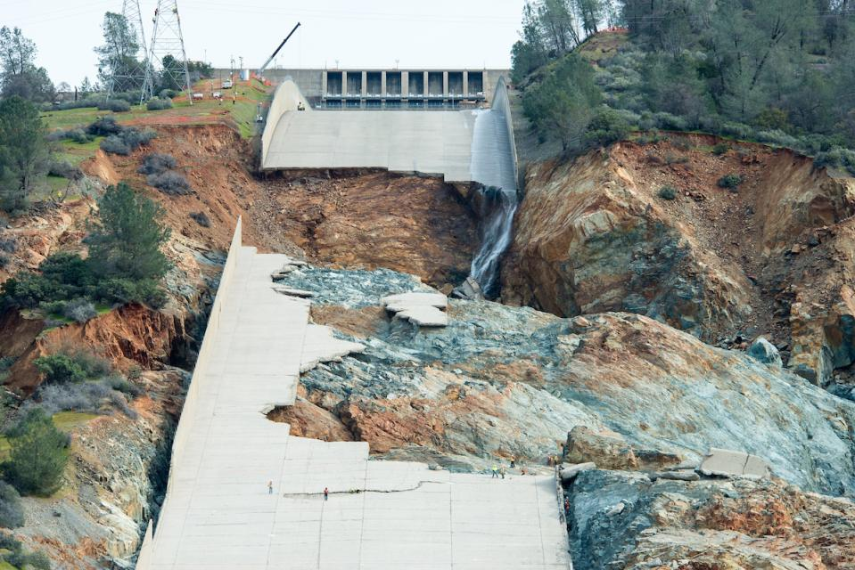 The main spillway failed in February 2017 and high lake levels strained the emergency spillway, prompting an evacuation of nearly 200,000 people downstream from the dam.  The spillway has since been repaired.