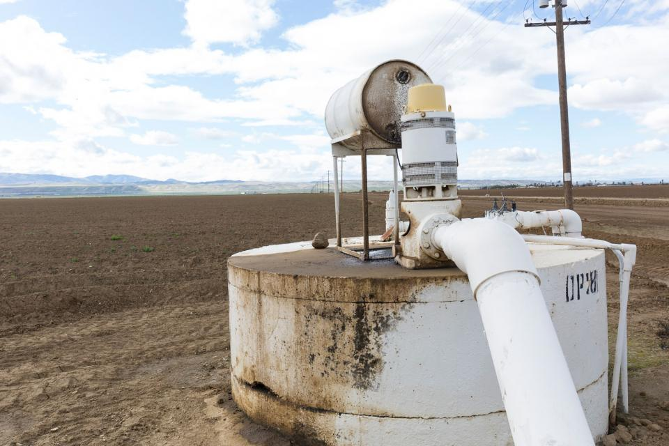 Groundwater well and pump in the San Joaquin Valley