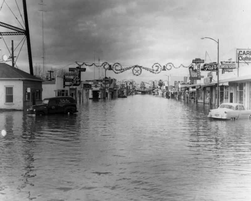 Yuba City flooded in 1955.