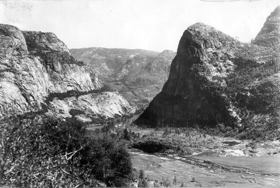 The Hetch Hetch Valley in 1914 (USGS photo)